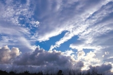 الامطار تعود اليوم والشمس تسطع يوم الخميس بإذن الله