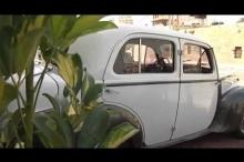 بالفيديو.. فلسطيني يحتفظ بسيارة من زمن النكبة