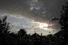 فرصة الأمطار تستمر حتى ظهر اليوم..وارتفاعات يومي الثلاثاء والأربعاء بمشيئة ...
