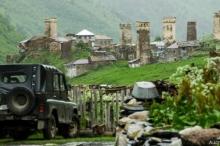 بالصور... روعة الحياة فوق جبال القوقاز الشاهقة