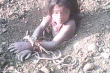 جريمة صادمة.. أب هندي يدفن ابنته ذات الـ 10 أعوام ...