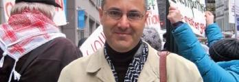 """""""عمر البرغوثي"""" أحد مؤسسي حركة مقاطعة اسرائيل وسحب الاستثمارات منها وفر ..."""