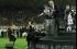بالفيديو والصور.. رئيس اتحاد كرة القدم يسقط من أعلي مسرح في أستراليا
