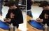 بالفيديو: فتى يحل مكعب روبيك في أقل من خمس ثوان